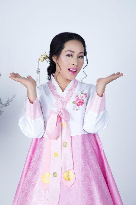 Fans ruot Ly Nha Ky dai dien Viet Nam thi sac dep quoc te Mrs Universe 2017 - Anh 2