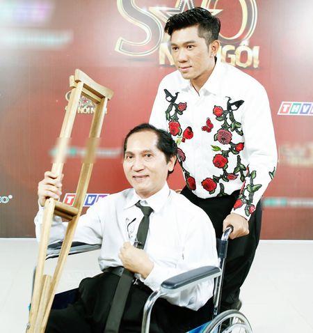 NSUT Kim Tu Long an can cham soc vo thu ba trong hau truong - Anh 10