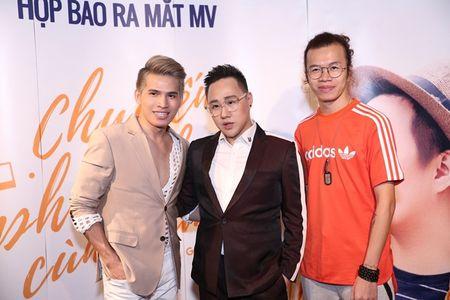 "Tra My Idol ""tron"" chong va con trai den chuc mung Trung Quan - Anh 6"