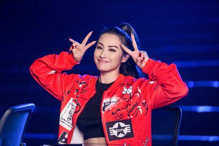 Bo tui bi quyet mix do the thao tuoi tan, khoe khoan cua Truong Nhi trong Glee - Anh 10