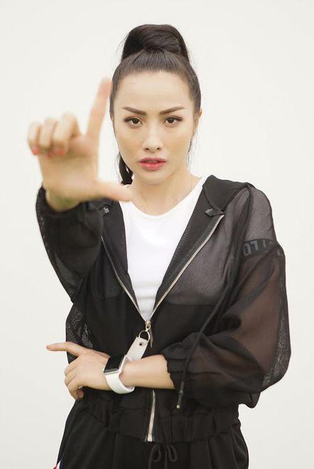 Bo tui bi quyet mix do the thao tuoi tan, khoe khoan cua Truong Nhi trong Glee - Anh 2