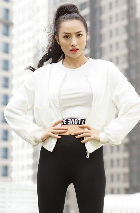 Bo tui bi quyet mix do the thao tuoi tan, khoe khoan cua Truong Nhi trong Glee - Anh 4
