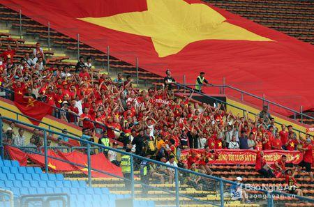 Cong Phuong, Tuan Tai len tieng, U22 Viet Nam thang dam Campuchia - Anh 3