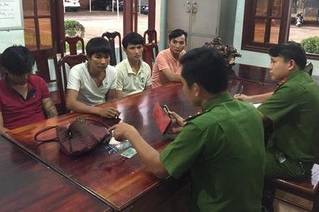 Dak Lak: Truy bat gon sau ten cuop duong - Anh 1