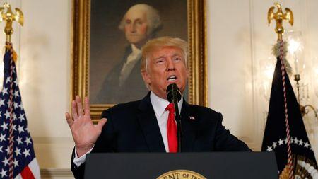 CEO Apple chi trich phan ung cua Donald Trump truoc vu bao dong tai Virginia - Anh 2