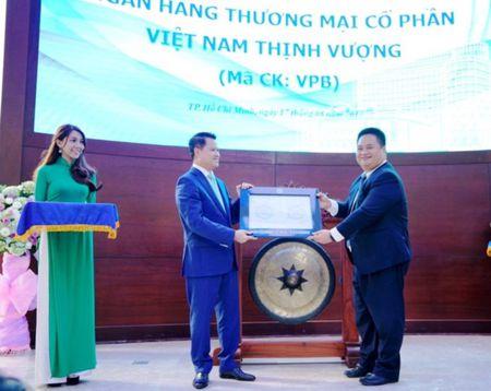 1,33 ty co phieu VPB chinh thuc niem yet tai HOSE - Anh 1