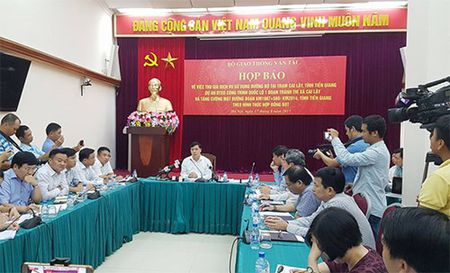 Bo Giao thong Van tai giam gia tram thu phi Cai Lay - Anh 1
