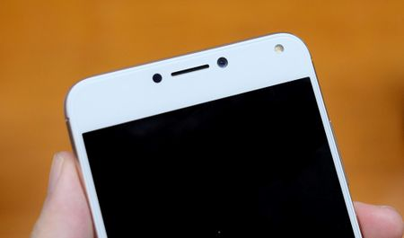 Can canh Zenfone 4 Max Pro voi camera kep sap ban tai Viet Nam - Anh 3