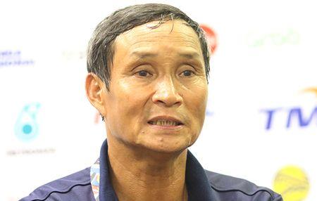 HLV Mai Duc Chung: 'Quen canh khong co ai co vu tuyen nu Viet Nam' - Anh 1