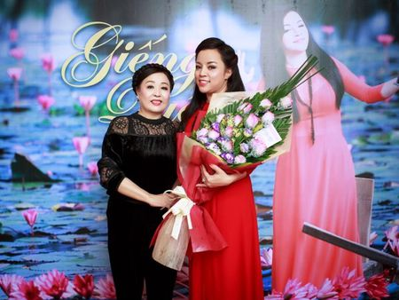 Nghe sy uu tu To Nga ra mat album 'Gieng que' sau 20 nam ca hat - Anh 2