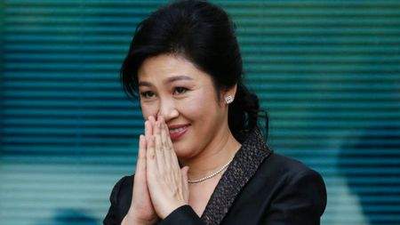 'Mat tich' bi an, cuu Thu tuong xinh dep Yingluck bi phat lenh truy na - Anh 1