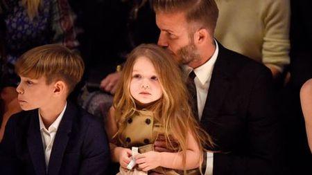 David Beckham chap nhan 'lui ve hau cung' thay vo cham soc gia dinh - Anh 21
