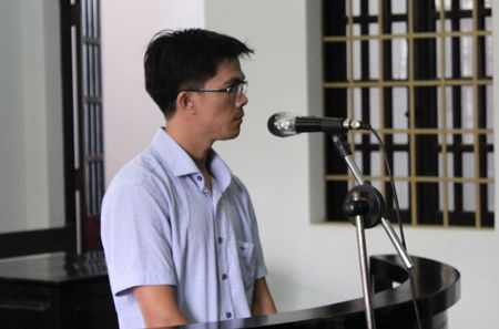 Nguyen Can bo phong tiep dan tinh Dak Nong lanh an tu vi lua dao chay viec - Anh 1