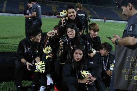 Nu Viet Nam gianh HCV SEA Games, Thai Lan 'chet lang' do le nhu mua - Anh 5