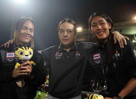 Nu Viet Nam gianh HCV SEA Games, Thai Lan 'chet lang' do le nhu mua - Anh 6