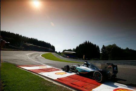 Dua xe F1, Belgian GP: Mercedes phan cong - Anh 3