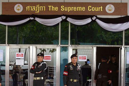 NONG: Nghi van cuu Thu tuong Yingluck tron sang nuoc ngoai - Anh 2