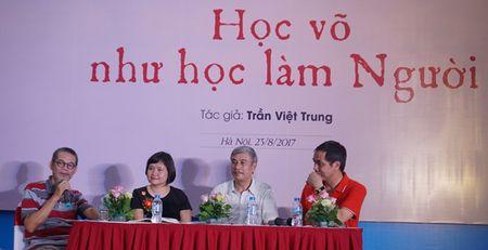 Mua quyen tai le ra mat sach 'Su de' cua vo su Tran Viet Trung - Anh 2