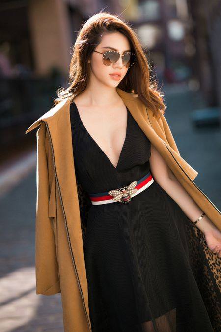 Jolie Nguyen mac sanh dieu dao pho o Australia - Anh 3