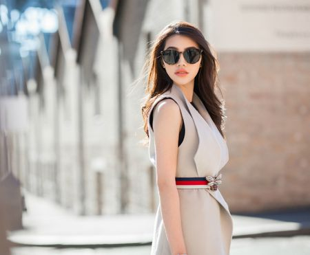 Jolie Nguyen mac sanh dieu dao pho o Australia - Anh 8