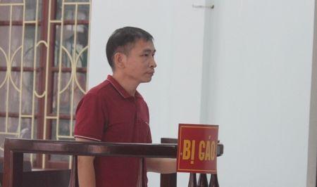 Thanh Hoa: Tuyen phat 27 thang tu giam vu boi nho Bi thu huyen 'tham nhung tinh duc' - Anh 1
