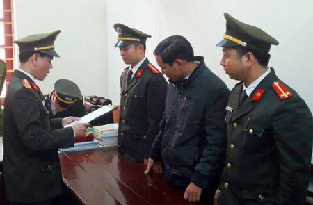 Thanh Hoa: Tuyen phat 27 thang tu giam vu boi nho Bi thu huyen 'tham nhung tinh duc' - Anh 3