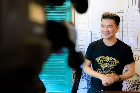 Mac lum xum voi Tung Duong, Mr Dam van tat bat chuan bi liveshow Bolero tai Ha Noi - Anh 3