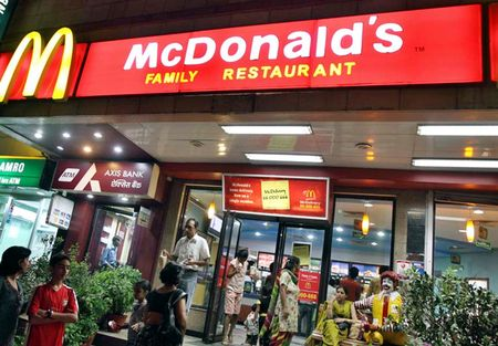 McDonald's dong cua 169 cua hang o An Do - Anh 1