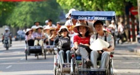 Bao ve quyen loi chinh dang cua khach du lich - Anh 1