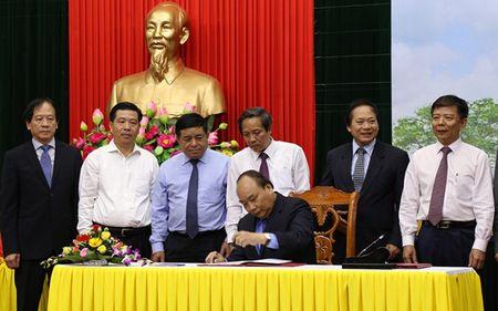 Thu tuong dong dau phat hanh bo tem ton vinh Dai tuong Vo Nguyen Giap - Anh 1
