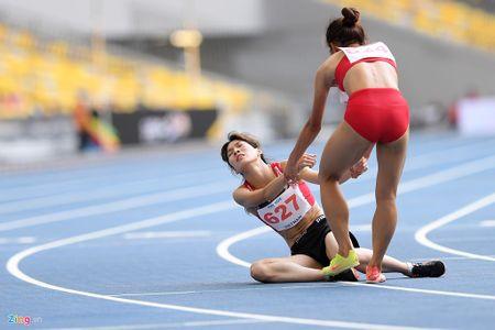VDV gianh HCV chay 5.000 m diu dong doi cung mung chien thang - Anh 10