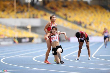 VDV gianh HCV chay 5.000 m diu dong doi cung mung chien thang - Anh 11