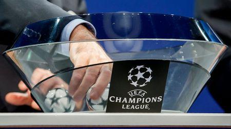 CAP NHAT sang 25/8: M.U de tho o Champions League. Ronaldo duoc vinh danh. Ibra phat bieu ngao nghe - Anh 1