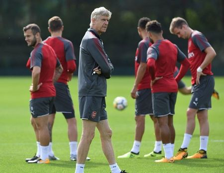 Wenger day au lo truoc dai chien Liverpool - Anh 1