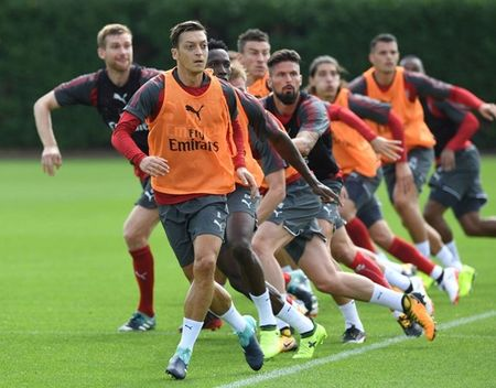 Wenger day au lo truoc dai chien Liverpool - Anh 7