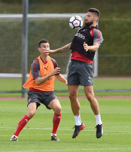 Wenger day au lo truoc dai chien Liverpool - Anh 9