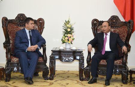 Thu tuong Nguyen Xuan Phuc tiep Bo truong Ngoai giao Ukraine - Anh 2