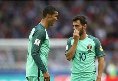 TIET LO: Chinh Ronaldo khuyen Benardo Silva den Man City - Anh 1