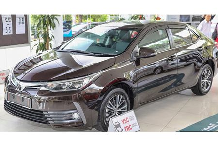 Toyota Corolla Altis 2017 'chot gia' tu 638 trieu dong - Anh 1