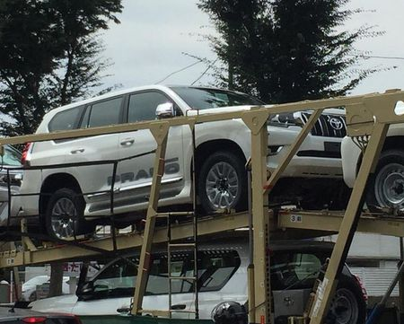Toyota Land Cruiser Prado 2018 san sang toi tay khach hang - Anh 2
