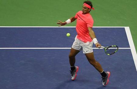 Federer: 'Cu thuan tay cua Nadal la so mot' - Anh 1