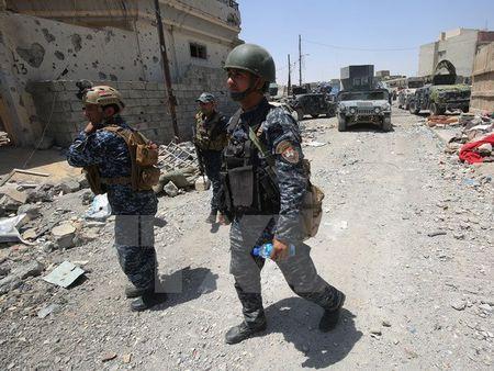 4 thieu nu Duc bi nghi toi Iraq ung ho nhom khung bo IS - Anh 1