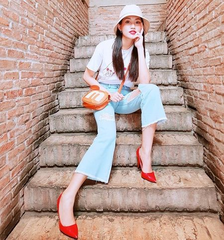 Dan sao Viet bung suc song voi street style ruc ro sac mau - Anh 4