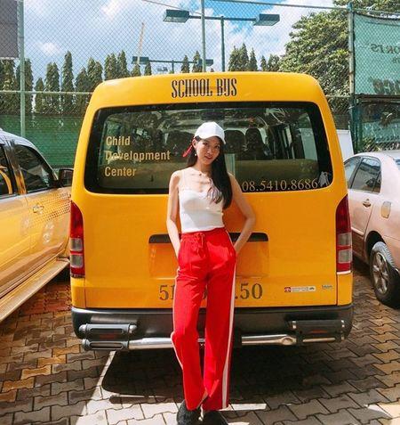 Dan sao Viet bung suc song voi street style ruc ro sac mau - Anh 5