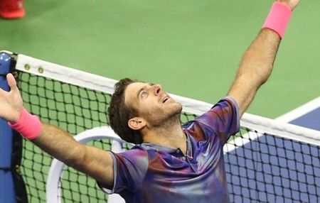 Del Potro ha guc Roger Federer, 'dai chien' Nadal o ban ket - Anh 1