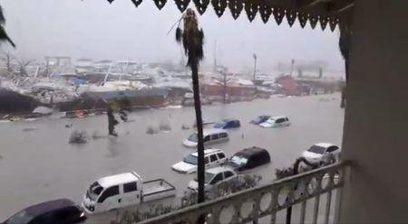 Hai dao o Caribe bi bao Irma pha huy 95% - Anh 1