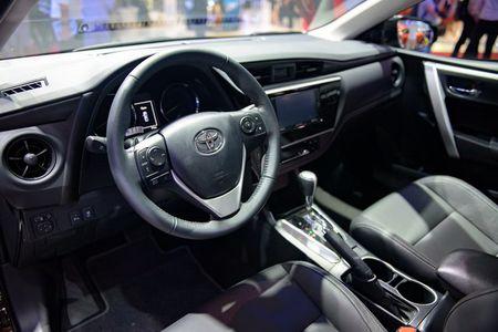 Toyota Altis 2017 o Viet Nam lo gia khoi diem 640 trieu dong - Anh 2
