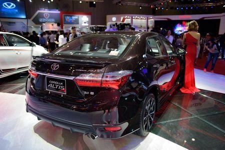 Toyota Altis 2017 o Viet Nam lo gia khoi diem 640 trieu dong - Anh 3