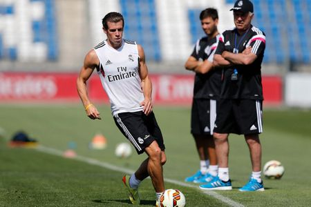 'Vua toc do' Gareth Bale miet mai tap 6 mui, sap vuot mat CR7 - Anh 2