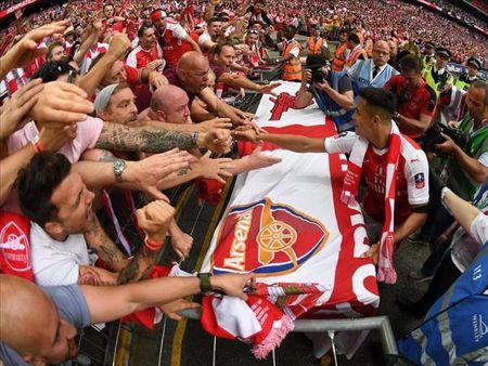Alexis Sanchez mang toi cuc vui cho Arsenal - Anh 1